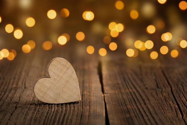 wooden-heart-web